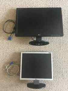 2 flat screen computer monitors For Sale