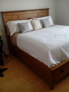 FOR SALE: 3 pieces king bedroom set with mattress