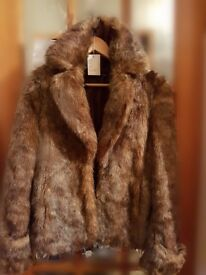fur coat,