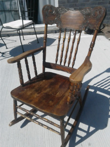 """Chaise berceuse """"Press Back"""" Antique"""