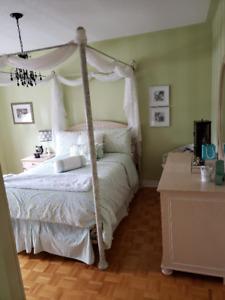 Girls FULL Bedroom Set-Like NEW