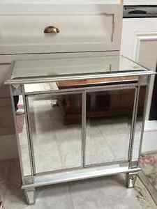 MIRRORED CHEST/NIGHT STAND/CABINET