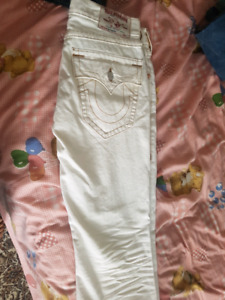SZ 32 True Religion white jeans BRAND NEW!