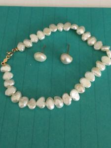 Bijoux bracelet et boucle d'oreille en perle d'eau douce