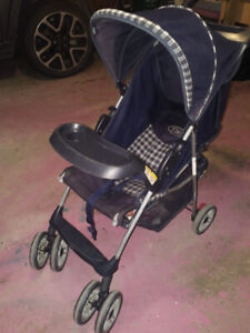 ALMOST BRAND NEW STROLLER WITH ACCESSORIES FOR BABY