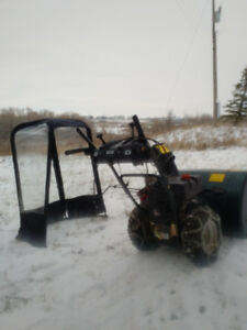 YARDWORKS Snowblower 30-inch with Chains/Cabin