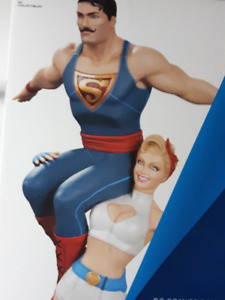 DC Bombshells: Power Girl and Superman collectible statue