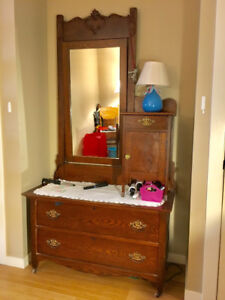 Bedroom set- Antique Oak dresser with mirror and 3/4 bed