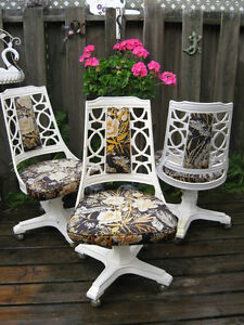 Vintage/Retro Cast Aluminum Chairs on Caster feet