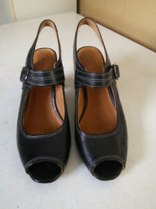 Clarks Artisan Sandals/Shoe