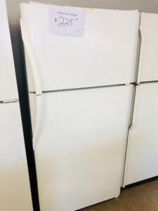 Refrigerateur blanc standard