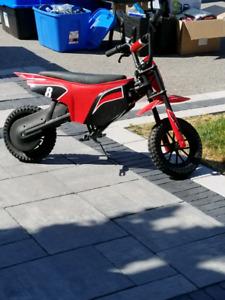 Child's electric motorcycle