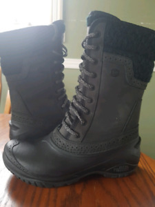 North Face Boots Black 6 Women's