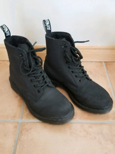 Doc Martens Black Lined Boots Mint Condition Size 8