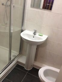 Newly Refurbished Large Double Bedroom ensuite