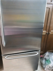 GE Stainless Steel 18.1 Cu.Ft Bottom drawer freezer refrigerator