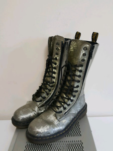 Dr Martens IB99 14    Eye Lace Up Leather  Boots