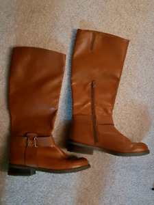 Boots. Size 9