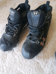 Under Armour Baseball Cleats - Mens Size 12