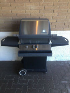 USED BBQ broil king Regal, still works, great for parts this Nat