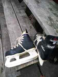 Hockey sticks and size 4 skates Sarnia Sarnia Area image 4