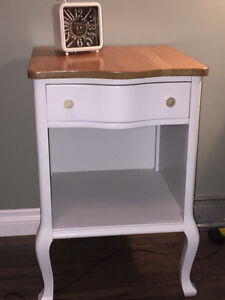 Bedside table/End table