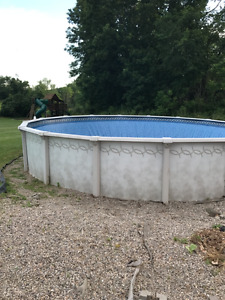 24' Above Ground Pool with all accessories