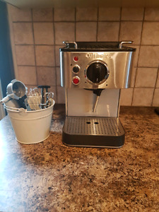 """Cuisinart Expresso Maker """"New with Box"""""""