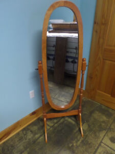 Cheval mirror, solid oak, like new