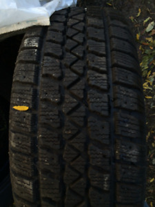 NOW SOLD - Arctic Claw 205/55R16 Winter TXi - Mint condition