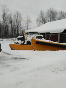 1996 Ford 9000 plow truck