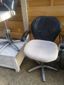 3 hairdressing and 1 barber chair