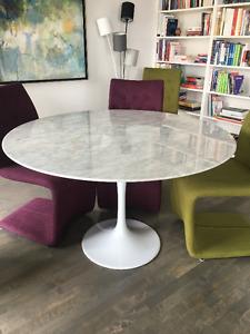 Table en marbre de salle à manger
