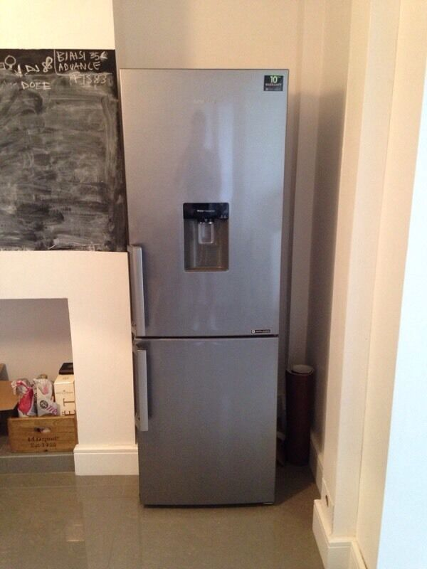 samsung fridge freezer rb29fwjndsa in silver in littleover derbyshire gumtree. Black Bedroom Furniture Sets. Home Design Ideas