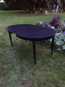 Oval Table  London Ontario image 8