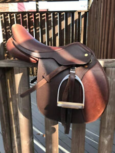 Santa Cruz English Saddle 17""