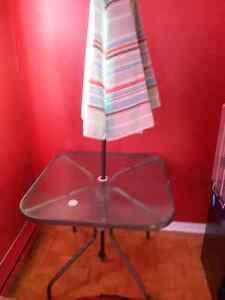 URGENT - Table de patio
