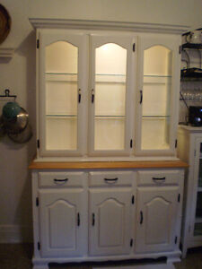 Solid Wood Buffet and Hutch