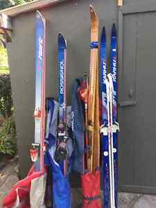 Bundle of skis Kitchener / Waterloo Kitchener Area image 1