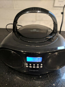 Insignia CD and media player with radio