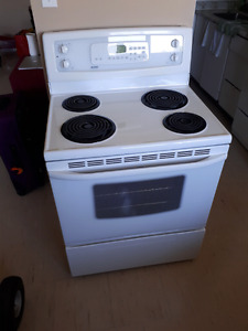 Very well kept stove for sale