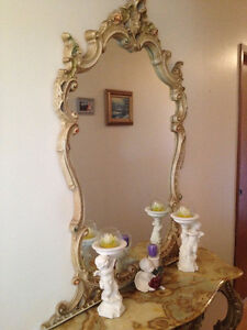 Luxury Fancy Hallway/Entryway Table Intricate Design with Mirror