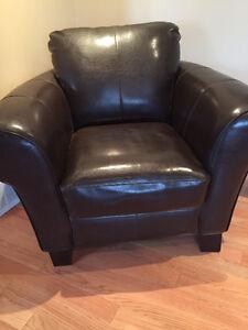 Fauteuil en cuir laminé / laminate leather armchair
