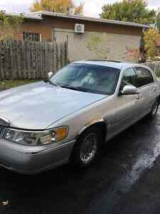 2002 Lincoln Town Car Cartier Berline