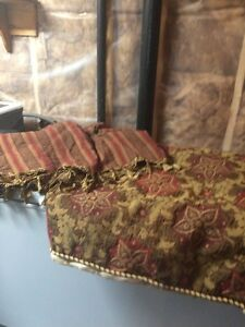 Duvet cover with matching valance