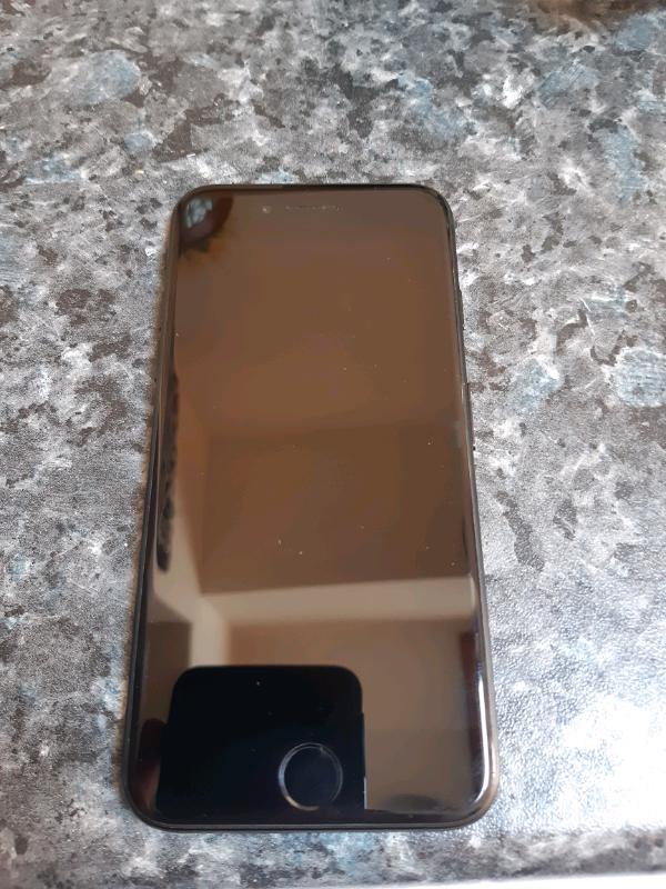 I phone 7 black on vodafone   in Gorleston, Norfolk   Gumtree
