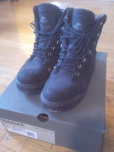 Black Timberland Field Boot Size 9.5US, Winter boot, Waterproof,