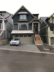 Brand New 3 Bdrm in Westhills (upper 2 levels)
