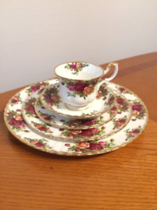 Vaisselle Royal Albert Old Country Rose