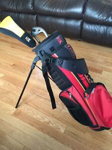 Youth Tiger Woods Nike golf clubs right hand